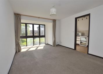 1 bed flat to rent in Rickwood, Horley, Surrey RH6