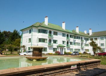 Pinner Court, Pinner, Middlesex HA5. 2 bed flat