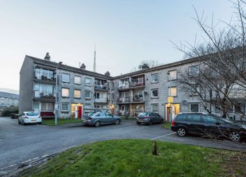 Thumbnail 2 bed flat for sale in 33E, Thornhill, Johnstone