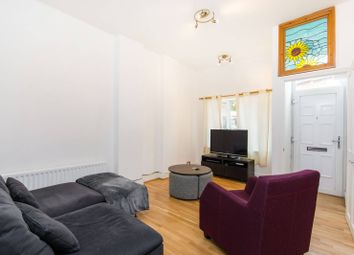 Thumbnail 2 bed flat to rent in Battersea Rise, Clapham Junction