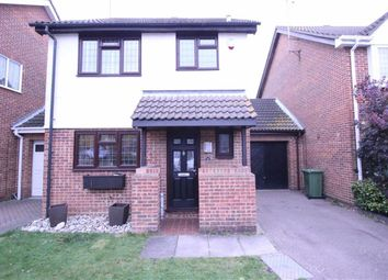 Thumbnail 2 bed detached house to rent in Woodberry Road, Wickford, Essex