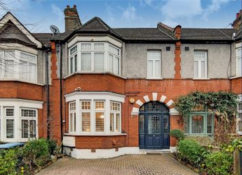 Stonard Road, Palmers Green N13. 3 bed flat for sale