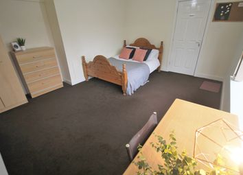 Thumbnail Room to rent in Room 1, 6 Chace Avenue, Willenhall