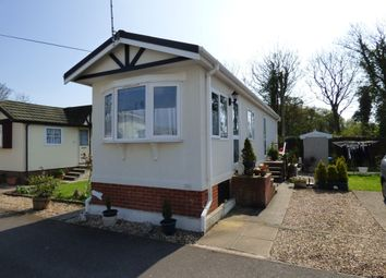 Thumbnail 2 bedroom mobile/park home for sale in Harbour View Park, Rope Walk, Littlehampton