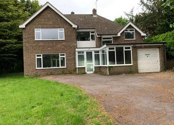 Thumbnail 4 bed detached house to rent in Shoppenhangers Road, Maidenhead