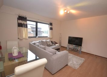Thumbnail 1 bed flat to rent in Selborne Court, Reading