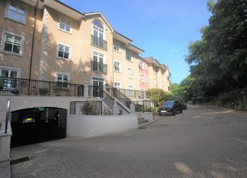 The Manor, Regents Drive, Repton Park, Woodford Green IG8. 2 bed flat