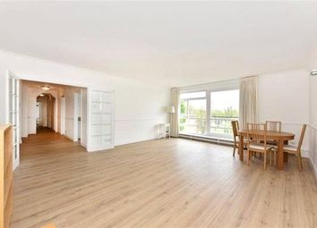 Thumbnail Flat to rent in Flat, Walsingham, St. Johns Wood Park, London