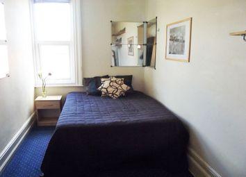 Thumbnail 1 bed flat to rent in Hollyshaw Lane, Crossgates