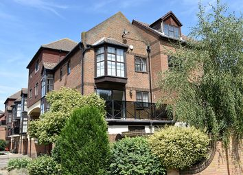 3 bed end terrace house for sale in Hathaway Court, Esplanade, Rochester ME1