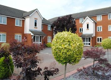Thumbnail 2 bed flat to rent in Firs Avenue, Hatch Lane, Windsor