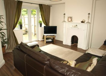 Thumbnail 1 bed flat to rent in Elmhurst Avenue, East Finchley
