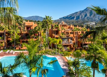 Thumbnail 2 bed apartment for sale in Marbella, Málaga, Andalusia