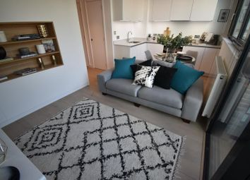 Thumbnail 1 bed flat to rent in Hill House, Highgate Hill, Archway, London