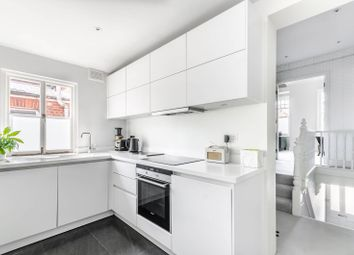 Thumbnail 2 bed flat to rent in Oaklands Grove, Shepherd's Bush