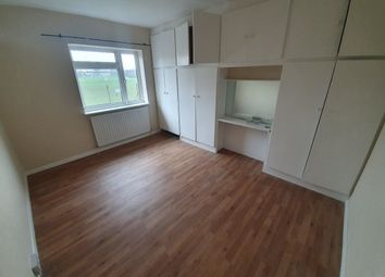 Broadmead, London SE6. Room to rent