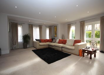 Thumbnail 2 bed flat to rent in Bonsor Drive, Kingswood, Tadworth