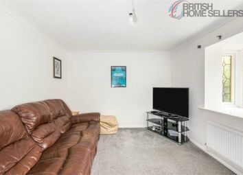 Dundonald Close, Southampton, Hampshire SO19. 2 bed maisonette for sale