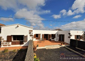 Thumbnail 3 bed chalet for sale in Tías, Las Palmas, Spain