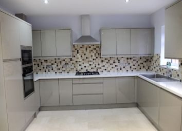 Thumbnail 4 bed town house to rent in Stepney Green, London