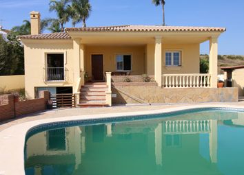 Thumbnail 3 bed villa for sale in Seghers, Estepona, Málaga, Andalusia, Spain