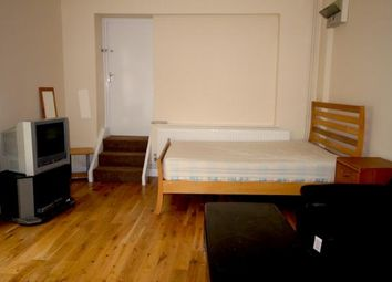 Thumbnail 1 bed flat to rent in Kingsland Road, Shoredich