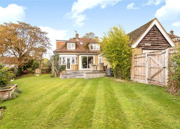 St. Peters Close, Chalfont Heights, Chalfont St Peter, Buckinghamshire SL9. 3 bed detached house for sale