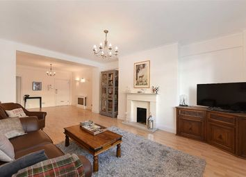 Thumbnail 2 bed flat to rent in St James's Close, London