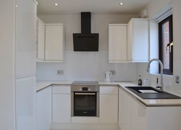 Thumbnail 1 bed flat to rent in Swan Court, Newbury, Berkshire