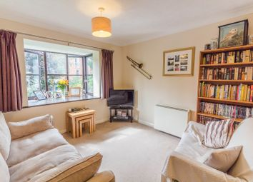 Thumbnail 2 bed flat for sale in Walkers Place, Reading