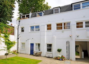 Thumbnail Flat to rent in Linden Mews, London