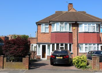 Thumbnail Room to rent in Connisborough Crescent, Bromley, England United Kingdom