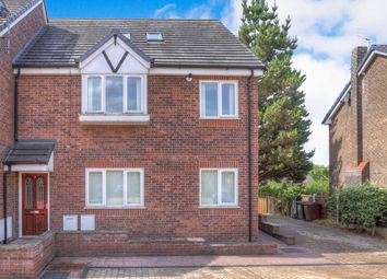 Thumbnail 3 bed flat for sale in Green Lane, Hadfield, Glossop