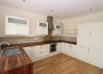 Thumbnail 3 bed property to rent in Commonside East, Mitcham