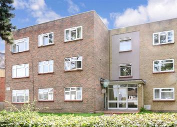 3 bed flat for sale in Coulsdon Road, Caterham, Surrey CR3