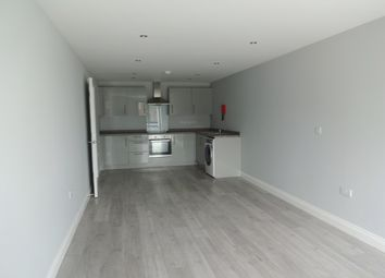 Thumbnail 1 bed flat to rent in Buckminster Road, Leicester