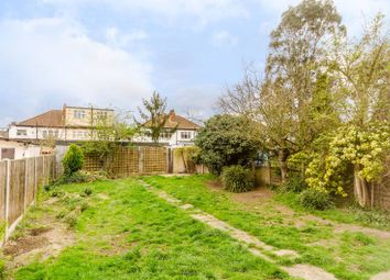 Thumbnail 4 bed property to rent in Ravenswood Avenue, Tolworth