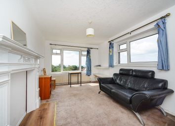 Thumbnail 2 bed flat to rent in East Drive, Brighton