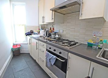 Thumbnail 2 bedroom flat to rent in Corporation Road, Cardiff