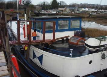 Thumbnail 2 bedroom houseboat for sale in Knights Road, Castle View Marina, Medway, Kent