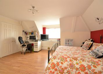 Thumbnail 2 bed flat for sale in Park Road, Petersfield, Hampshire