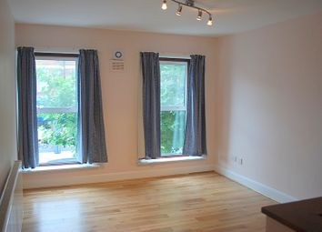 Thumbnail 2 bedroom flat to rent in High Road, East Finchley, London