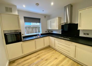 2 bed maisonette to rent in Morgan Road, Bromley BR1