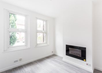 Thumbnail 2 bedroom flat to rent in Clementina Road, London