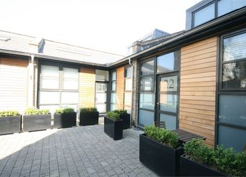 Thumbnail 1 bed detached house to rent in Valentia Place, London