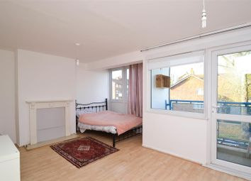 Thumbnail 3 bed flat to rent in Devonshire Road, Chiswick