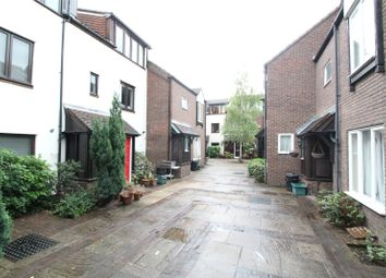 Thumbnail 3 bed detached house to rent in Jutland Close, Archway, London