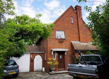 Thumbnail Detached house for sale in Green End, Chessington