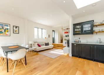Thumbnail 2 bed flat to rent in Martell Road, West Dulwich, London