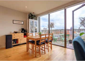 3 Camberwell Passage, Camberwell SE5. 1 bed flat for sale